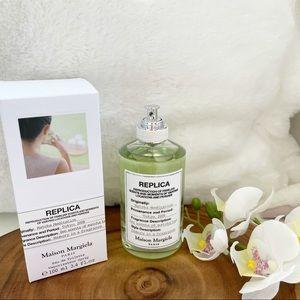 Masion Margiela 2ml sample free w/ purchase